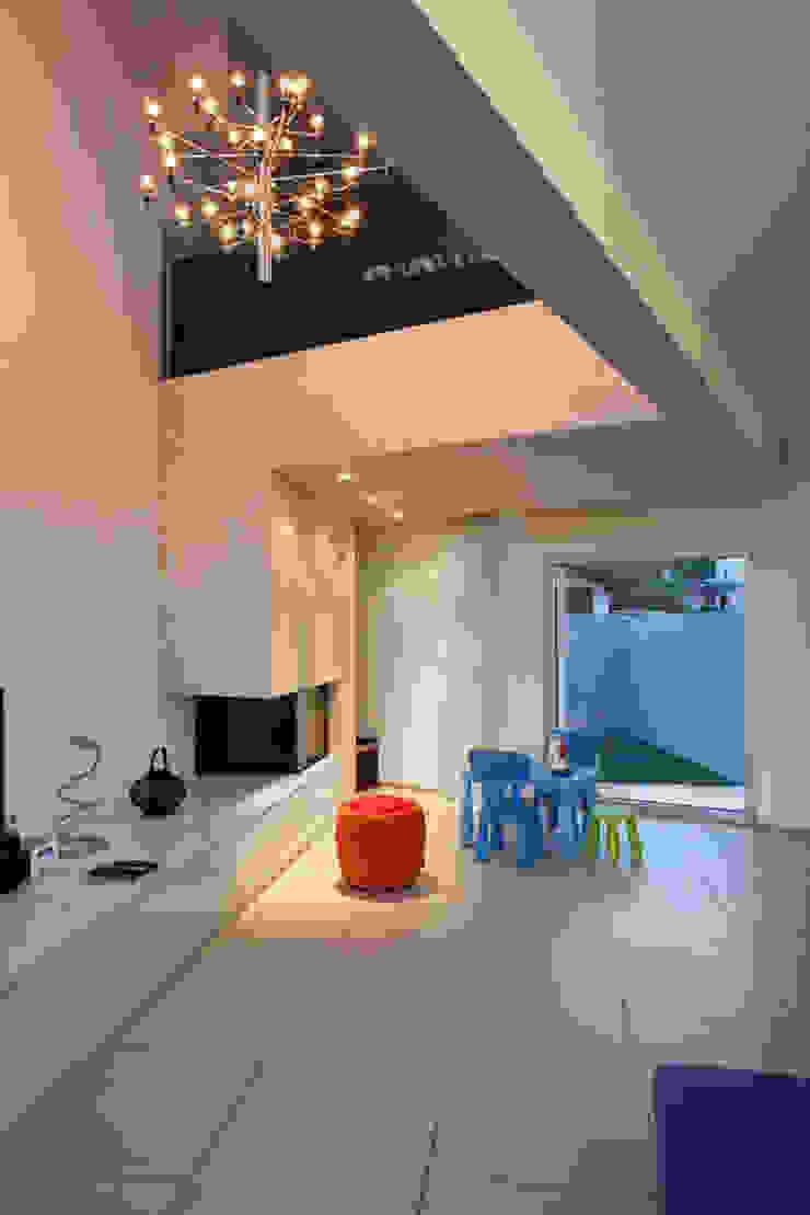 Casa a Riva S. Vitale Soggiorno moderno di Studio d'arch. Gianluca Martinelli Moderno