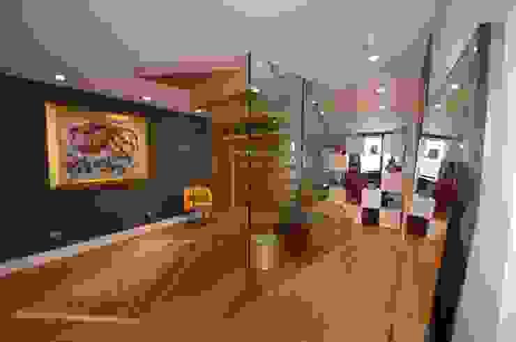 Schwende Treppe mit Glaswand Siller Treppen/Stairs/Scale Flur, Diele & TreppenhausTreppen Holz Braun