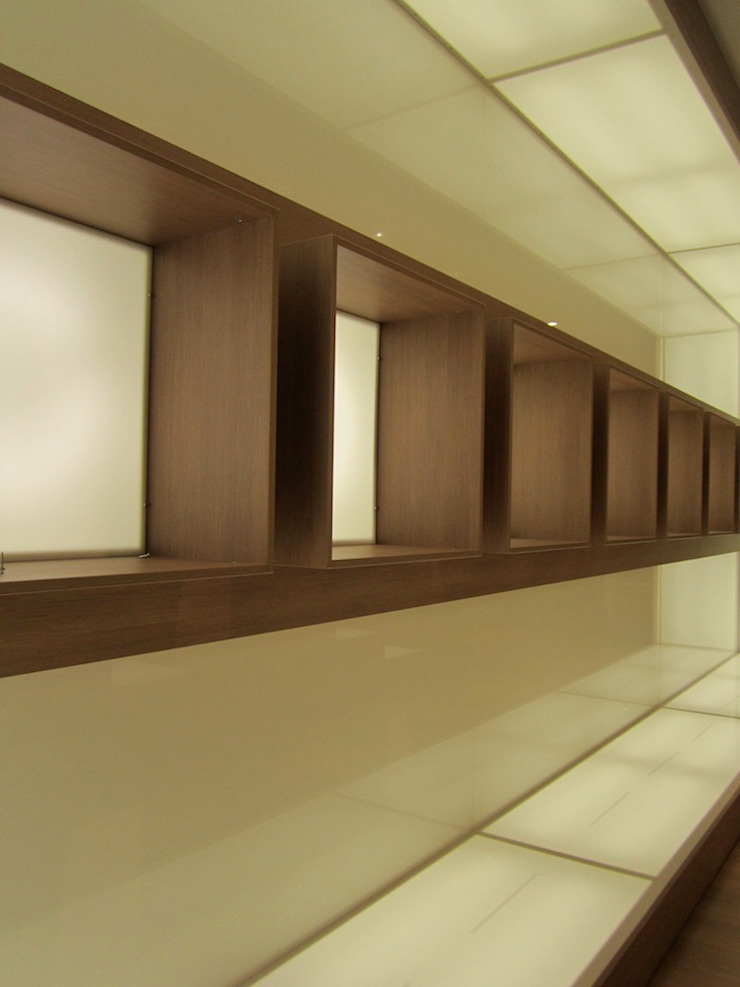Ernesto Fusco Office spaces & stores Kayu Buatan Beige