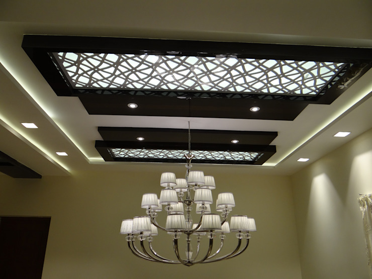 MDF grill board in double height ceiling Modern Corridor, Hallway and Staircase by Hasta architects Modern
