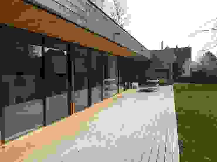 War House Balcon, Veranda & Terrasse modernes par Allegre + Bonandrini architectes DPLG Moderne