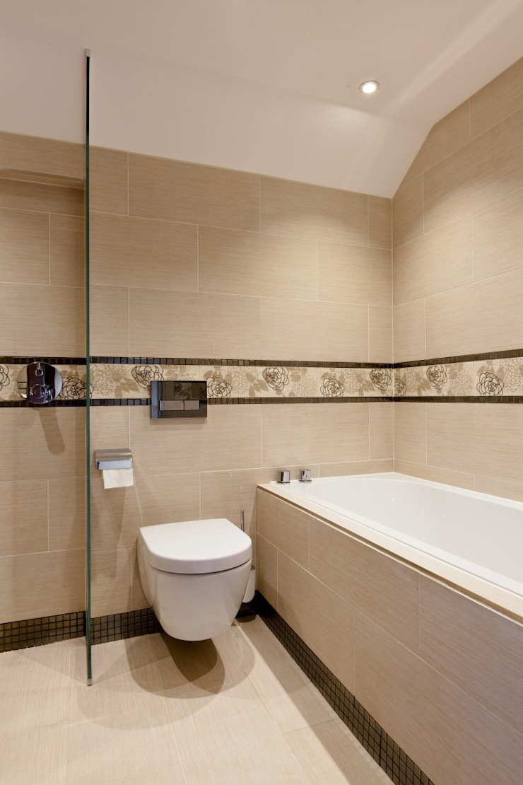 Lancashire Residence Classic style bathroom by Kettle Design Classic