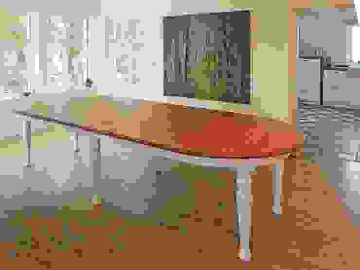 Tisch im Landhausstil, Alteiche von Lignum Möbelmanufaktur GmbH Landhaus