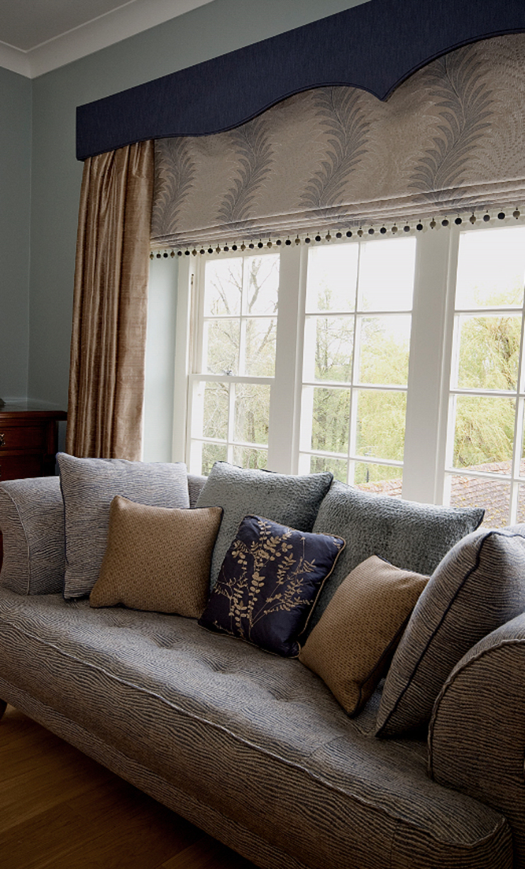Bespoke Soft Furnishings: country  by Elizabeth Bee Interior Design, Country