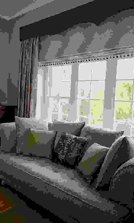 Bespoke Soft Furnishings von Elizabeth Bee Interior Design Landhaus