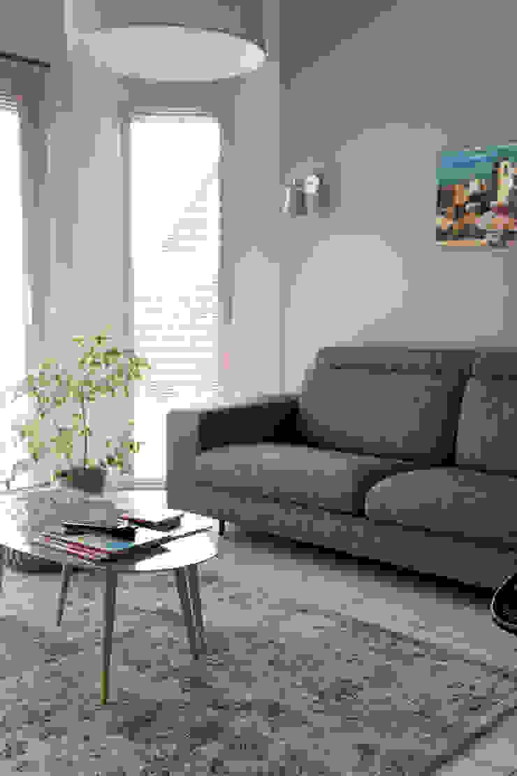 Espace de vie moderne et confort Salon moderne par Gwenaelle Hoyet Moderne