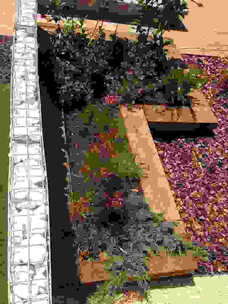 Mediterranean style garden by VIVSA. VIVIENDA SANA Mediterranean