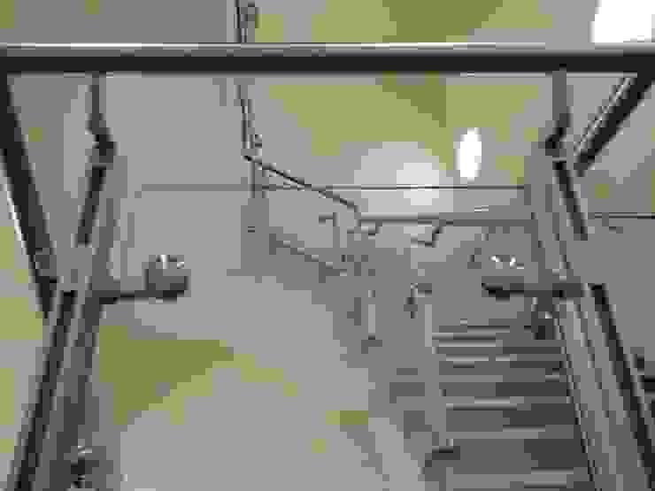 Coronation St, ITV Studios: modern  by S&P Structures Ltd., Modern