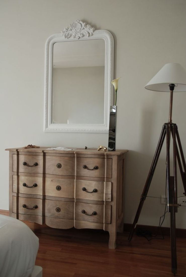 camera da letto di Emmepi Design Moderno