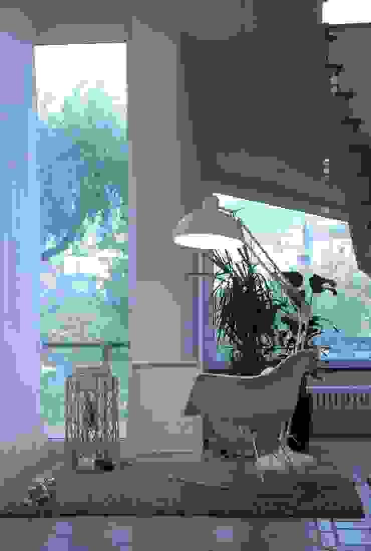 soggiorno di Emmepi Design Moderno
