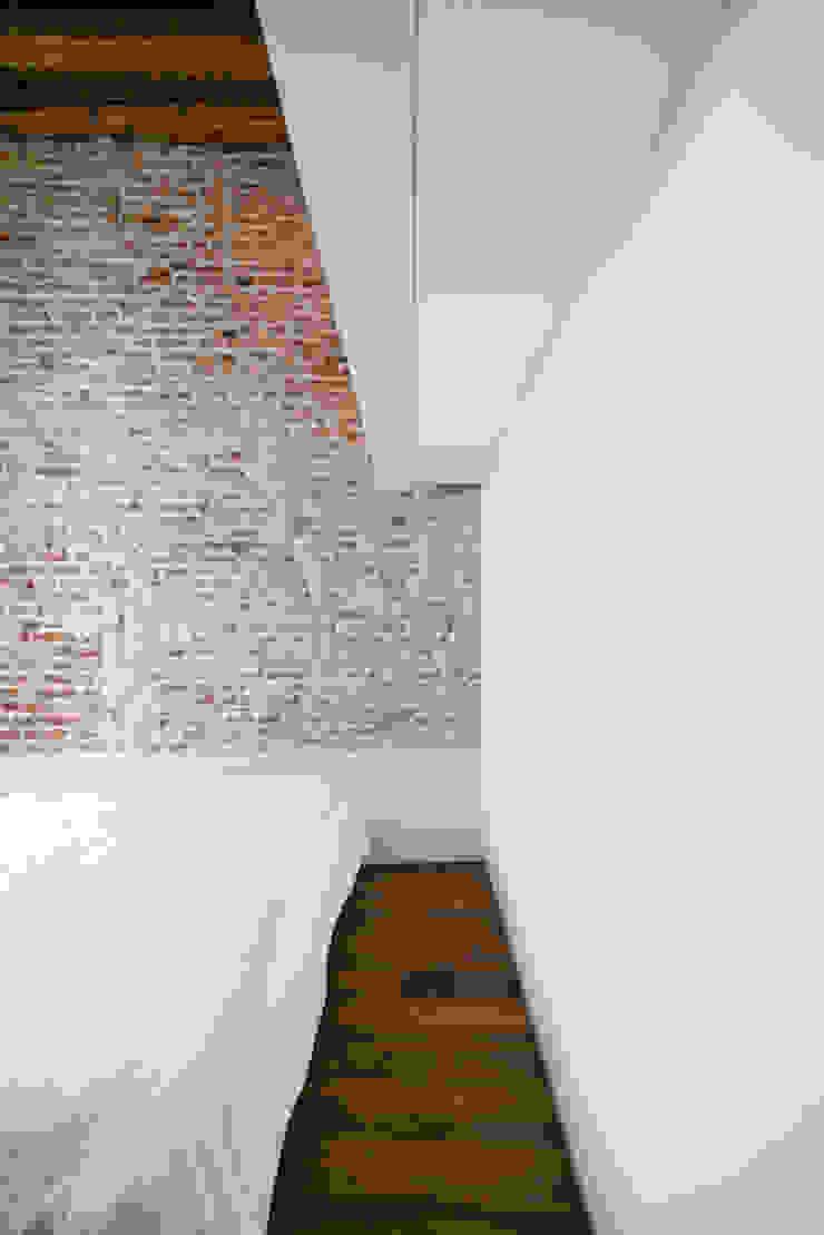 Modern Yatak Odası MIDE architetti Modern