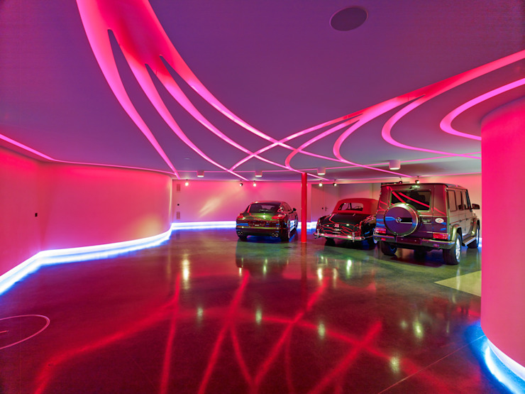 Private Garage and party room Tobias Link Lichtplanung Modern garage/shed
