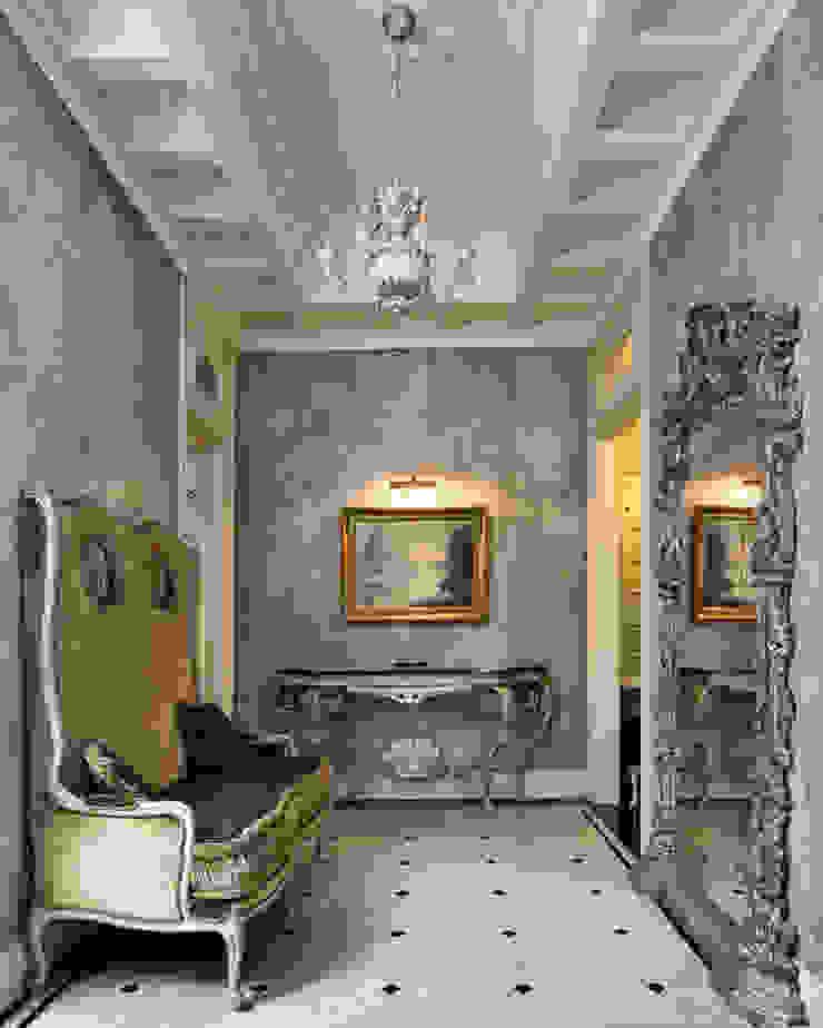 Villa in Russia Ingresso, Corridoio & Scale in stile classico di Scultura & Design S.r.l. Classico