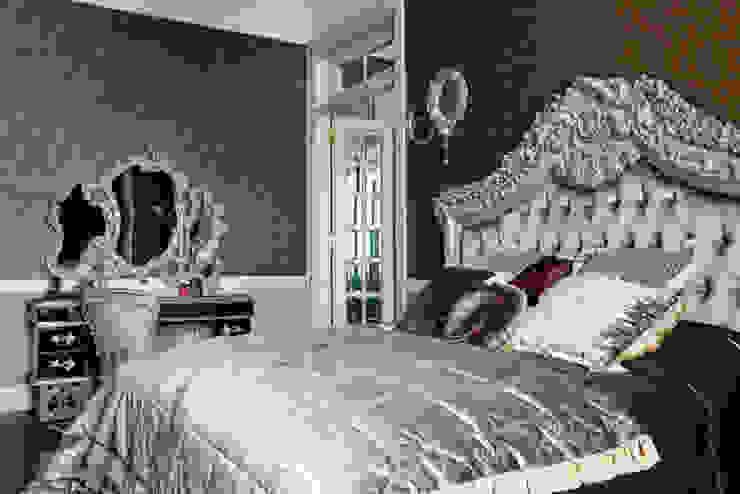 Villa in Russia Camera da letto in stile classico di Scultura & Design S.r.l. Classico