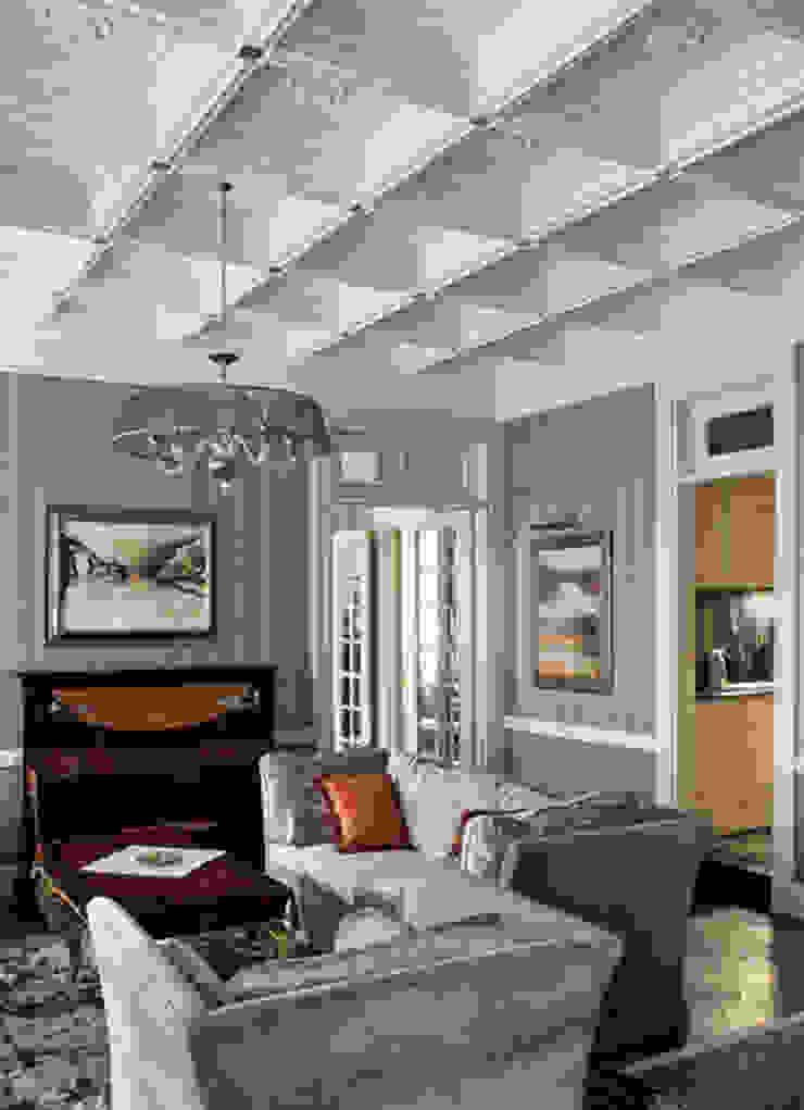 Villa in Russia Soggiorno classico di Scultura & Design S.r.l. Classico