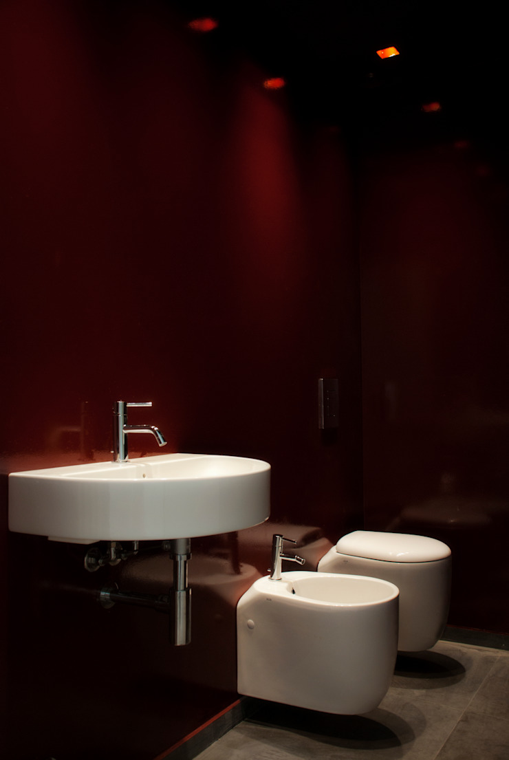 bagno di servizio Bagno moderno di Gru architetti Moderno