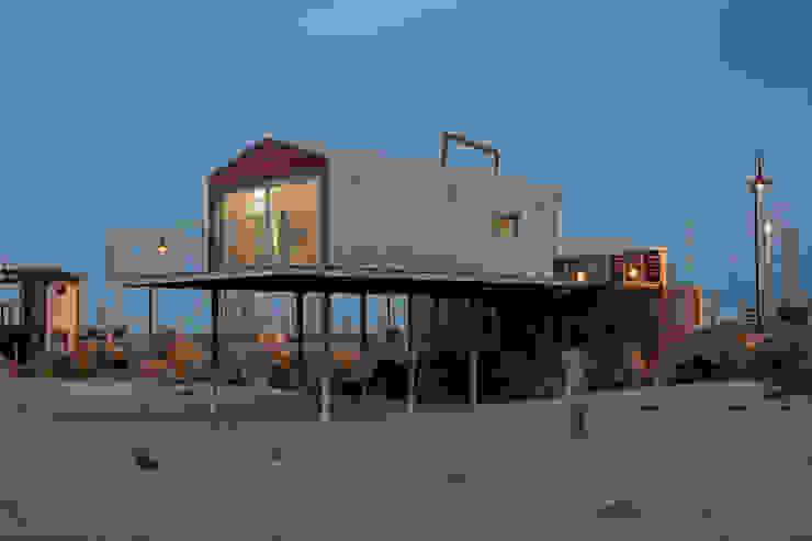 A room over the sea - Trabocco Case in stile mediterraneo di Studio Zero85 Mediterraneo