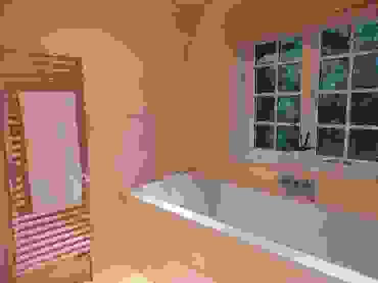 Ensuite Bathroom Modern bathroom by inclover Modern
