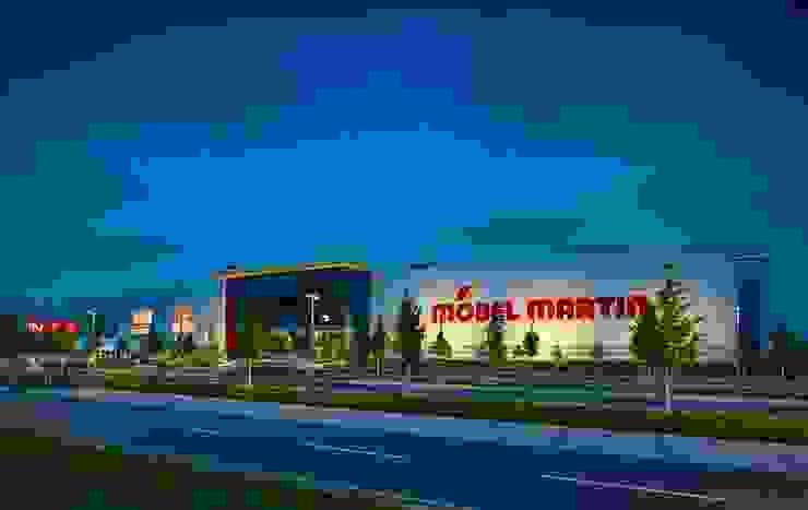 Möbel Martin Mainz Moderne Geschäftsräume & Stores von Tobias Link Lichtplanung Modern