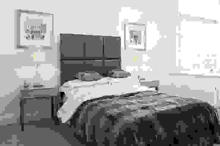 Clapham Modern style bedroom by kt-id Modern