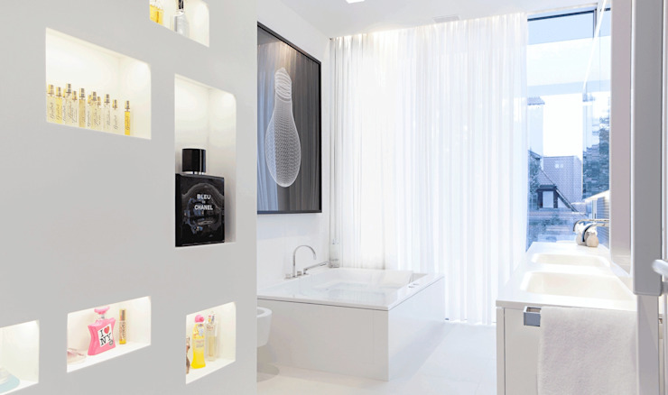 Modern style bathrooms by monovolume architecture + design Modern