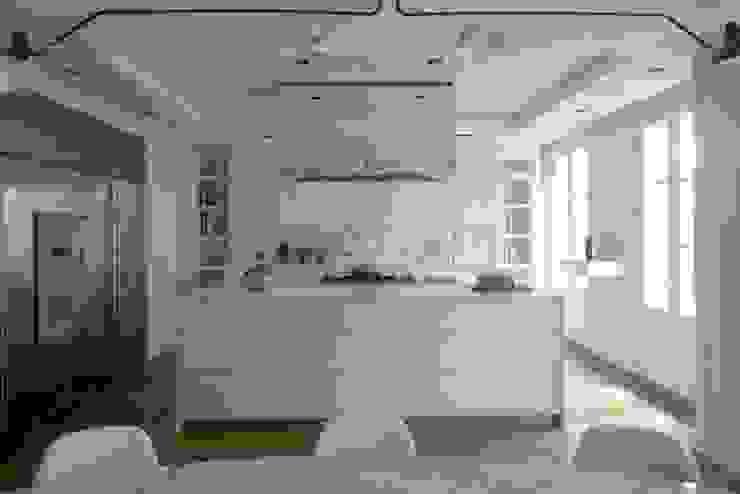 Chelsea Apartment Кухня в стиле модерн от TLA Studio Модерн