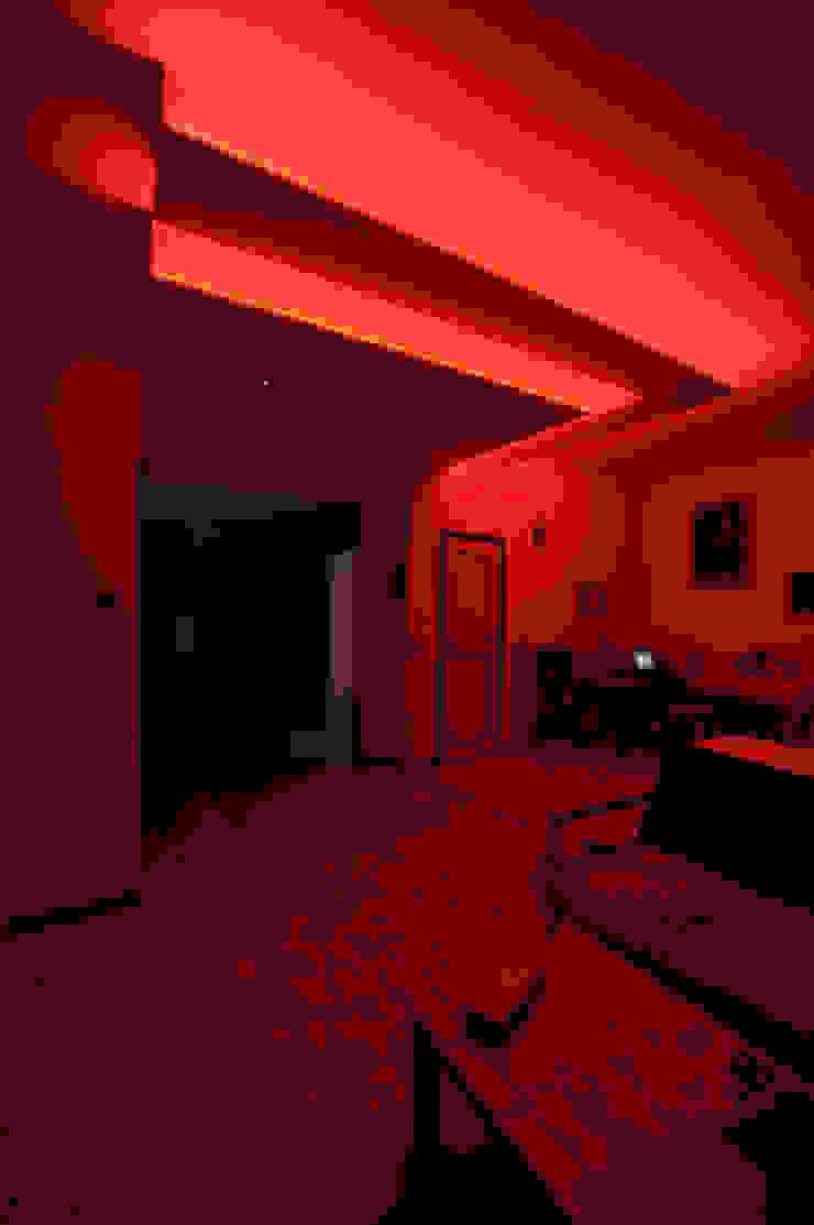 RGB Celing Sala da pranzo di Luca Bucciantini Architettura d' interni