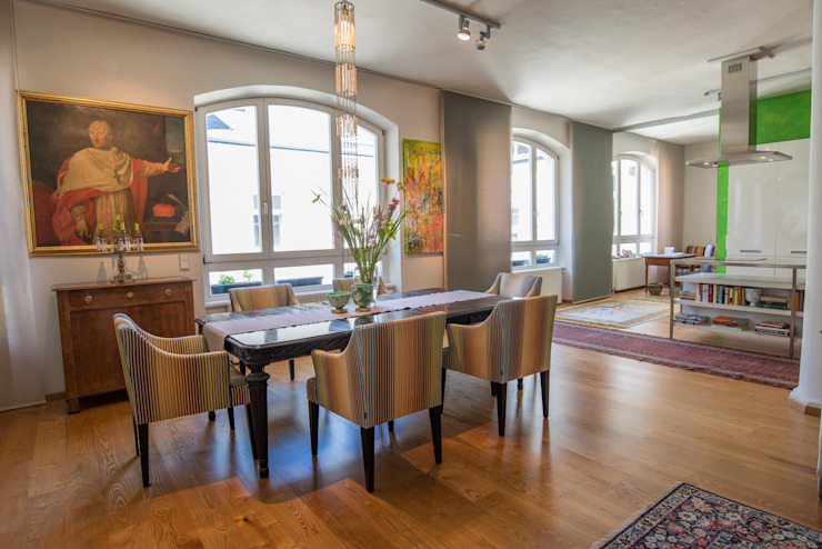 Eclectic style dining room by Elke Altenberger Interior Design & Consulting Eclectic