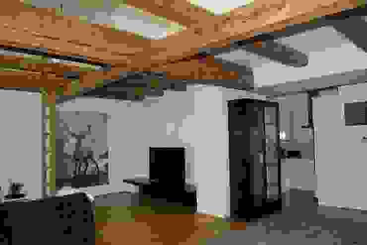 Dachgeschoss Ausgefallene Wohnzimmer von Elke Altenberger Interior Design & Consulting Ausgefallen