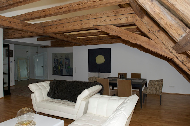 Wohn- und Essbereich - Dachgeschoss Ausgefallene Esszimmer von Elke Altenberger Interior Design & Consulting Ausgefallen
