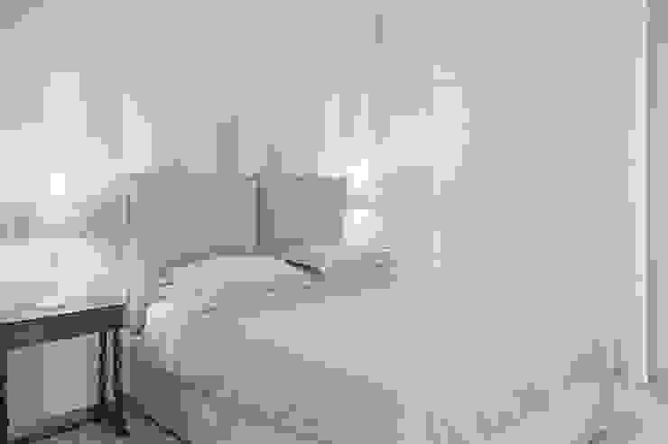 APPARTAMENTO (BENEVENTO) Camera da letto eclettica di Studio Guerra Sas Eclettico