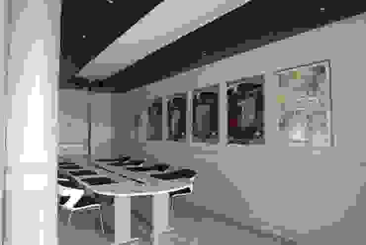 Restyling Ufficio commerciale Aquatoscana di Luca Bucciantini Architettura d' interni Moderno