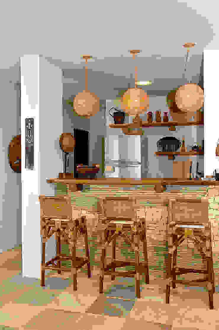 Projeto Adegas campestres por Isnara Gurgel - Arquitetura + Interiores Campestre