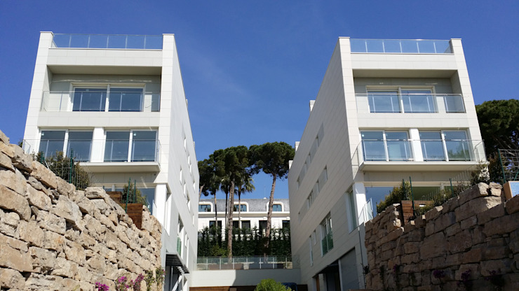 Modern Houses by CERACASA S.A. Modern