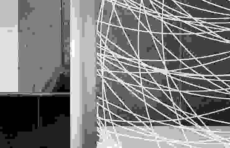 Round3 di Massimo Ballardin Moderno