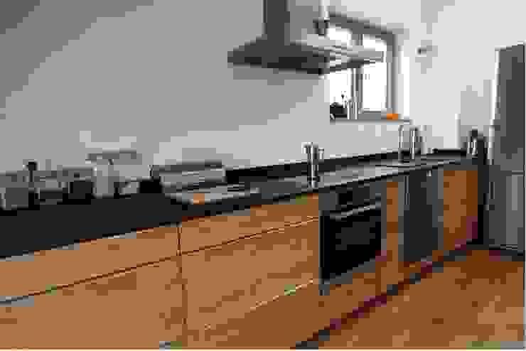 Massivholzküchen: modern  von Matalia Möbel & Objekte GbR,Modern