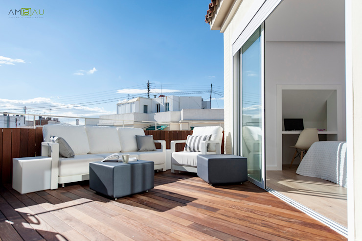 Eclectic style balcony, veranda & terrace by amBau Gestion y Proyectos Eclectic