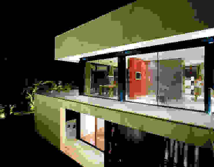 Casa Sevilla Balcones y terrazas de MARIO COREA ARQUITECTURA
