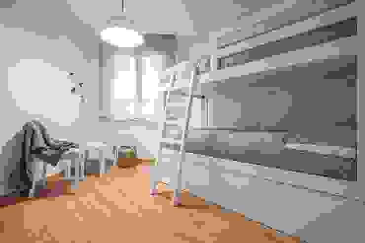 Habitación infantil Dormitorios infantiles de estilo mediterráneo de Laura Yerpes Estudio de Interiorismo Mediterráneo