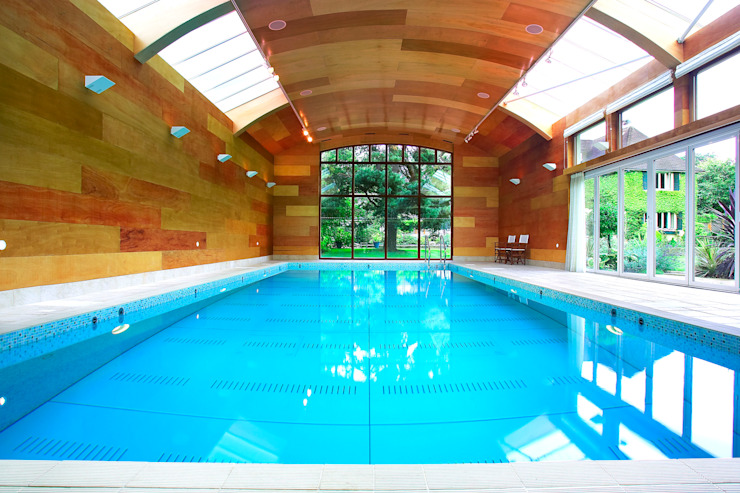 Piscinas de estilo  por London Swimming Pool Company, Moderno