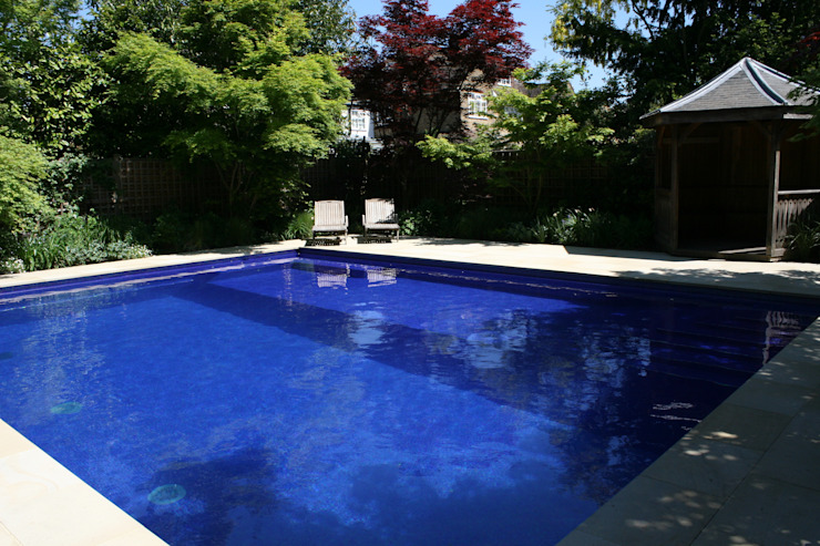 ​Sapphire Pool Country style pool by London Swimming Pool Company Country