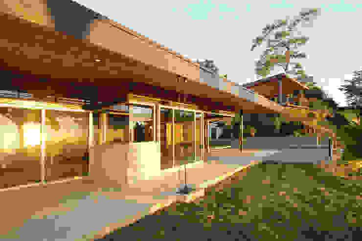 Modern houses by Filippo Ratini architetti Modern