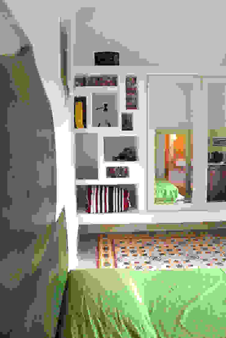 Studio Ricciardi Architetti Mediterranean style bedroom