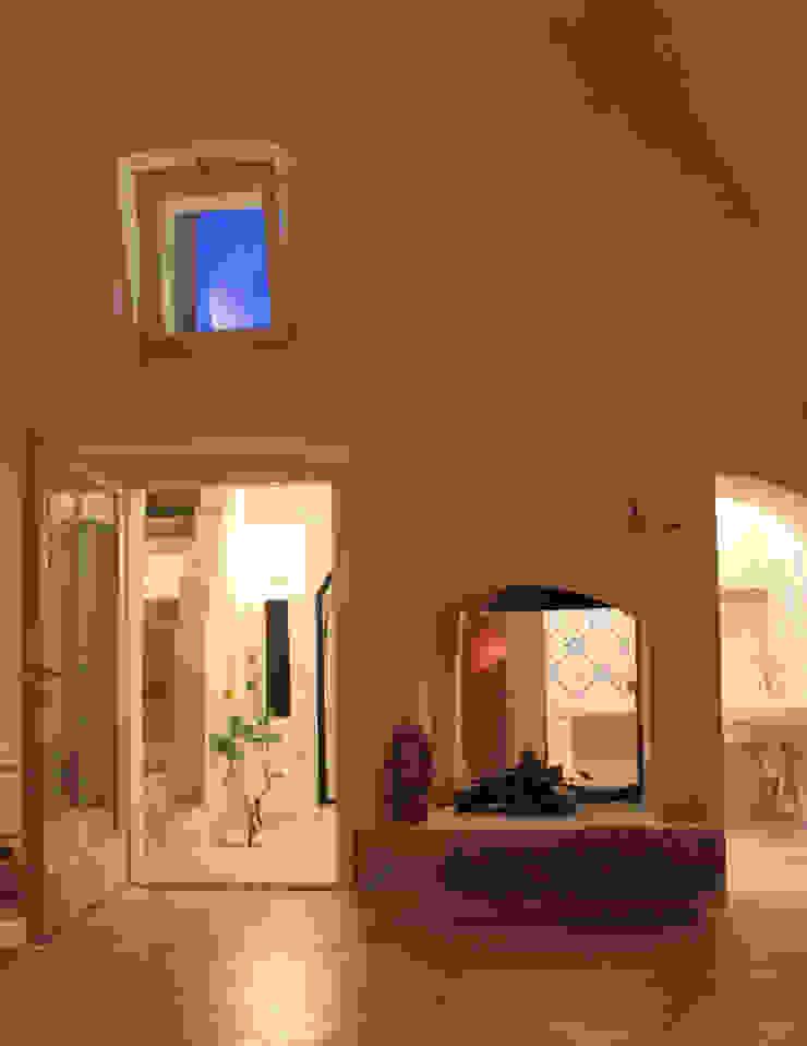 Studio Ricciardi Architetti Mediterranean style living room