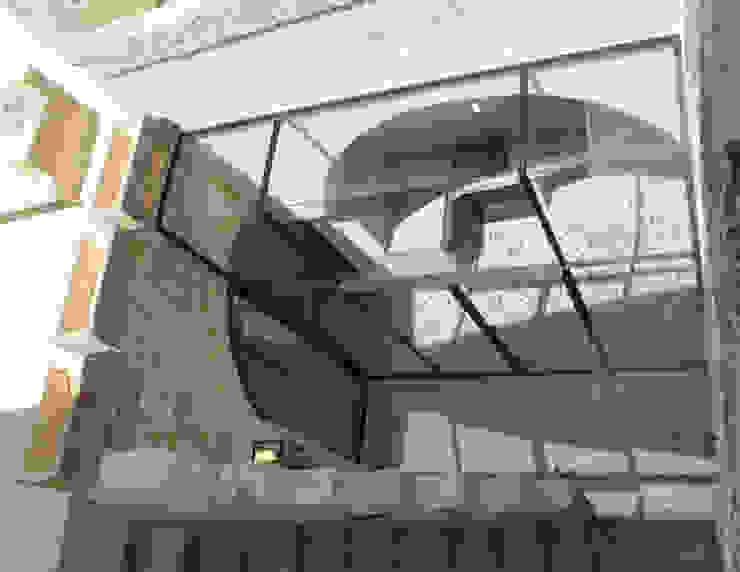 Studio Ricciardi Architetti Mediterranean style balcony, veranda & terrace