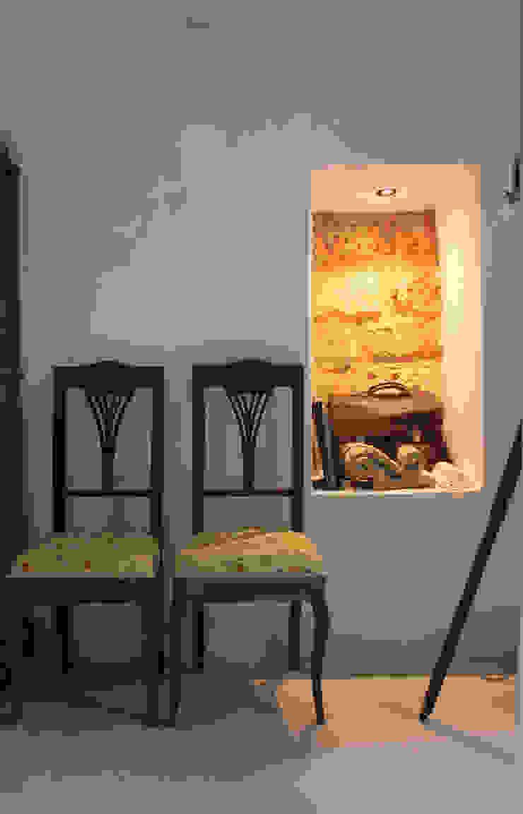 Studio Ricciardi Architetti Living roomStools & chairs