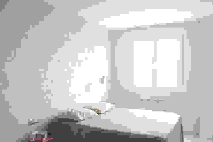 Piso de 67m2 Dormitorios de estilo moderno de Interior03 Moderno