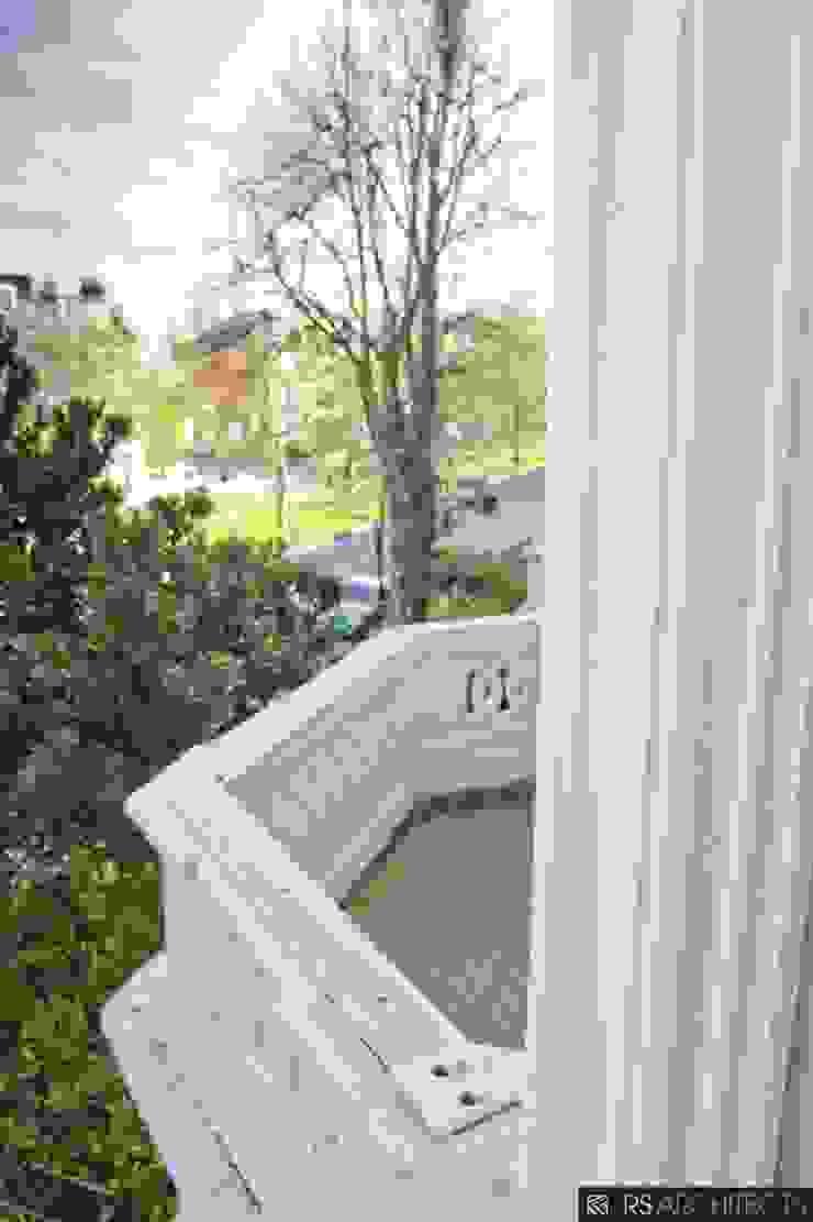 Islington House Conversion Modern Balkon, Veranda & Teras RS Architects Modern