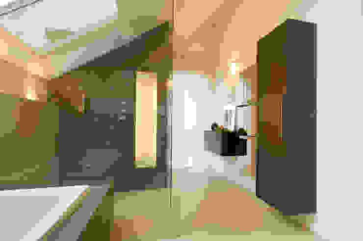 Salle de bain moderne par Luna Homestaging Moderne