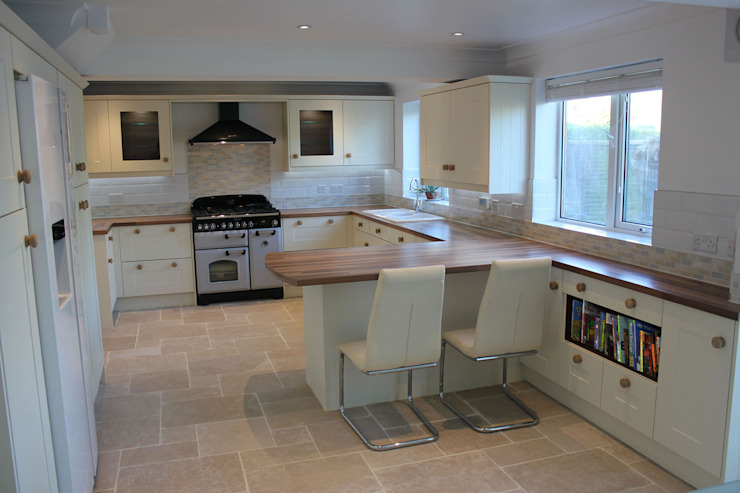 shaker cream Classic style kitchen by Hallmark Kitchen Designs Classic